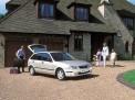 Mazda 323 2003 года
