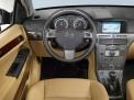 Opel Astra 2011 года