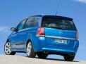 Opel Zafira OPC 2011 года