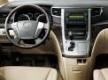 Toyota Alphard 2015 года