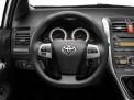 Toyota Auris 2012 года