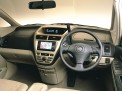 Toyota Opa 2005 года