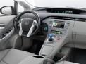 Toyota Prius 2015 года
