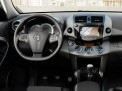 Toyota RAV4 2013 года