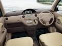 Toyota Sienta 2003 года