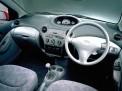 Toyota Vitz 2011 года
