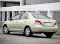 Toyota Yaris 2012 года
