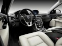 Volvo XC70 2013 года
