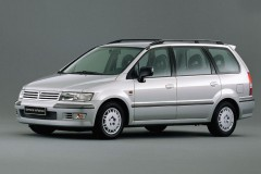 Mitsubishi Space Wagon 2004 года