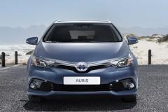 Toyota Auris 2015 года