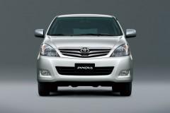 Toyota Innova 2004 года