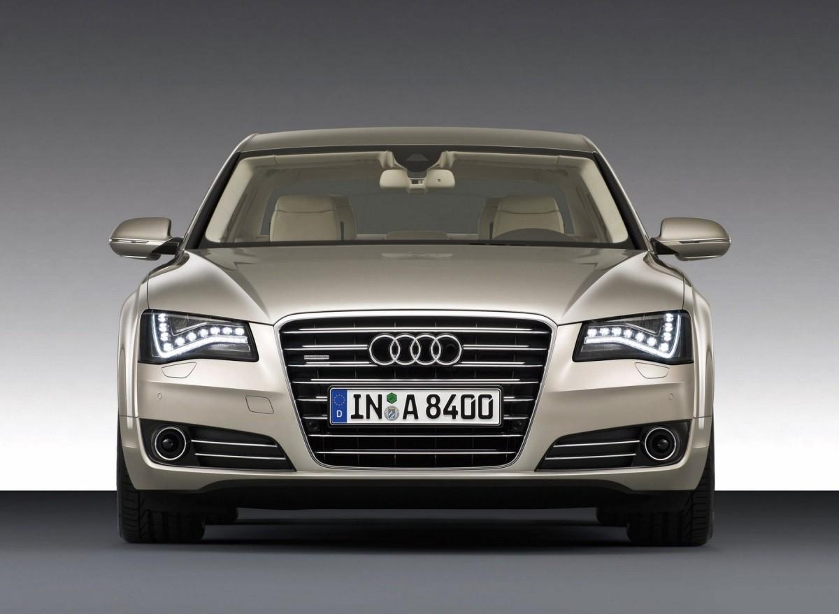 2014 audi s8 характеристика машины