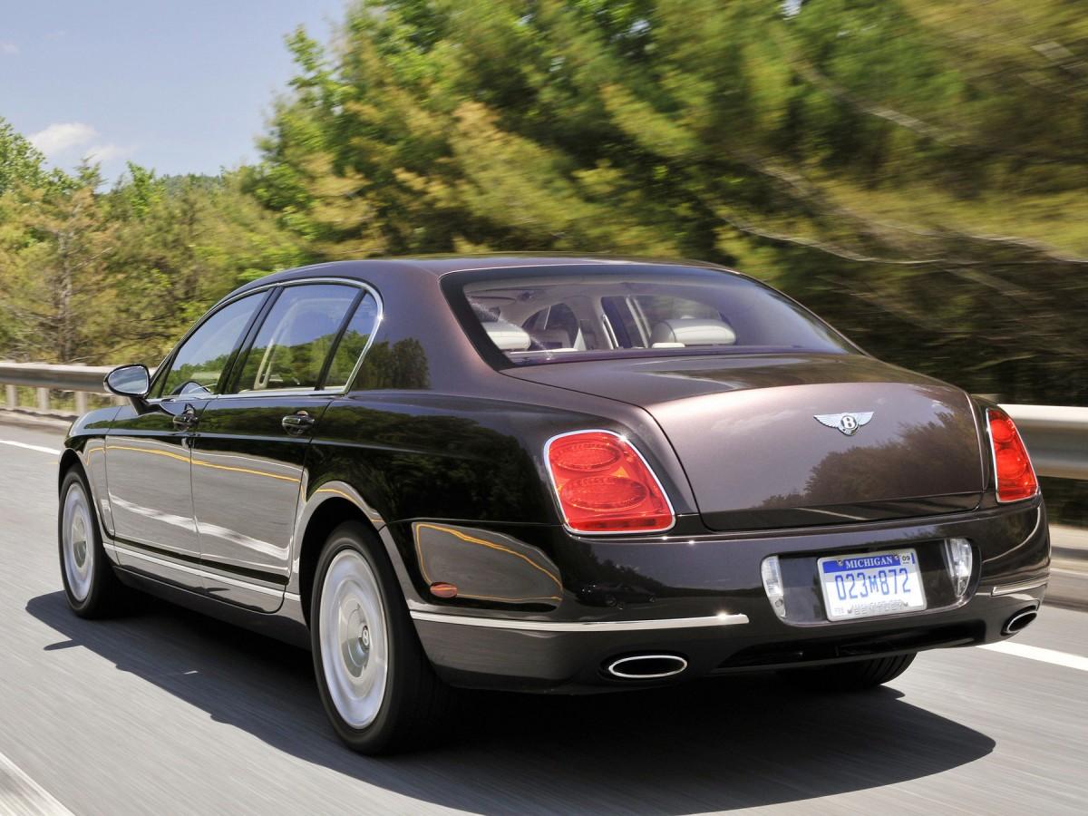 бентли четырехдверная седан 2008 год