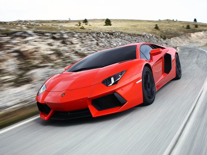 новый спорткар от ламборджини 2013
