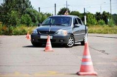 Полезные советы при выборе инструктора по вождению автомобиля
