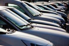 Какой выбрать автомобиль новый или подержанный для первой покупки?