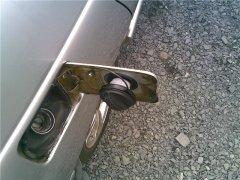 Способы удаление воды из бензобака автомобиля