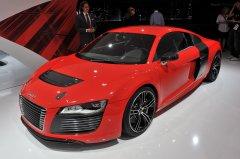 Суперкар Audi R8 e-tron – заглядывая в будущее