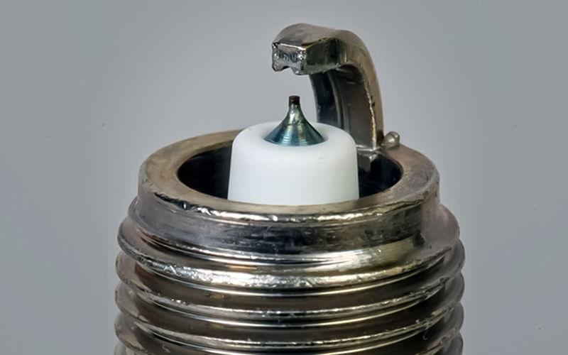 Матеріал центрального електрода свічок запалювання