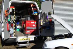 Что выбрать: техпомощь на дороге или эвакуатор?