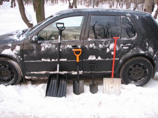 Снеговая лопата для авто