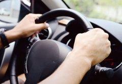 Что делать, если бьет руль на высокой скорости, торможении и прохождении поворотов?