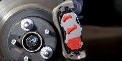 Как избавится от скрипа тормозов и какие могут быть причины подобной проблемы?