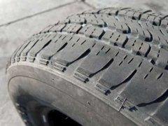 Какие неисправности подвески могут проявляться на шинах автомобиля?