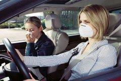 Як позбутися від неприємних запахів в салоні автомобіля?