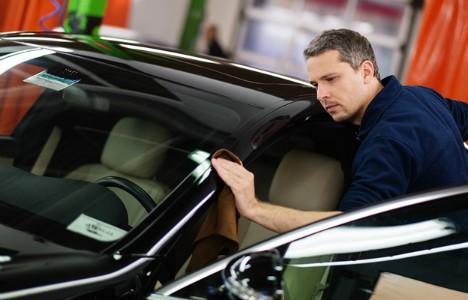 Проводим подробный осмотр автомобиля