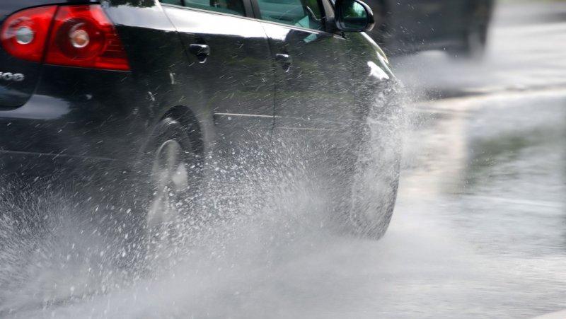 Полный привод эффективен на мокрой дороге
