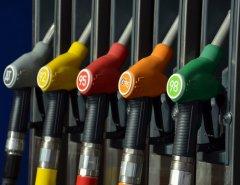 Кто должен оплачивать ремонт машины после заправки некачественным топливом?