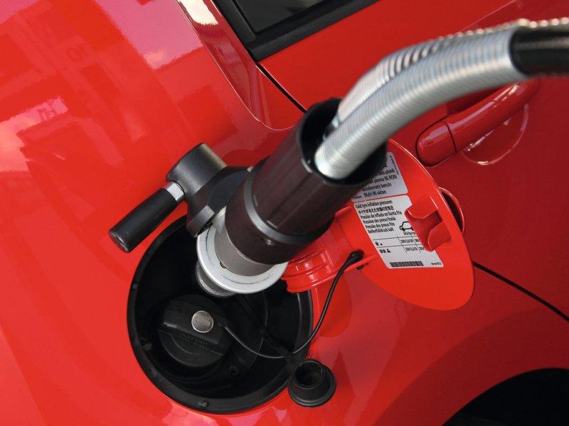 Стоит ли переводить автомобиль на газ?