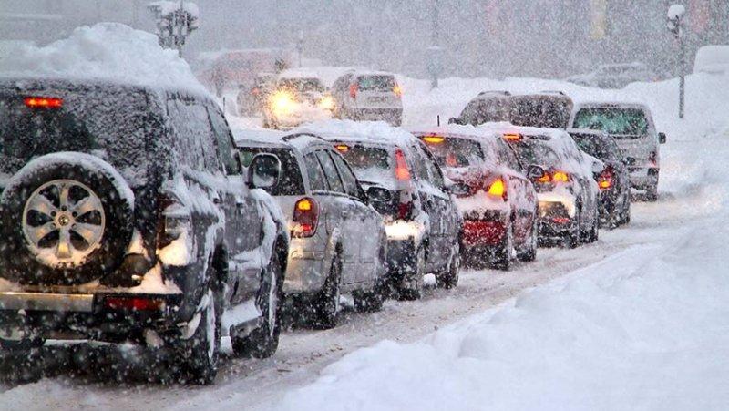 Як правильно керувати машиною взимку