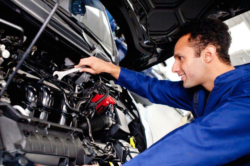 Некачественный сервис двигатель автомобиля