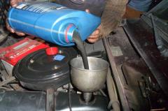 Моторне масло з додаванням молібдену: переваги та недоліки