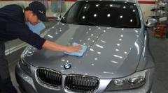 Варто обробляти автомобілі рідким склом?