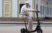 Человек на электросамокате для водителя - пешеход или велосипедист?