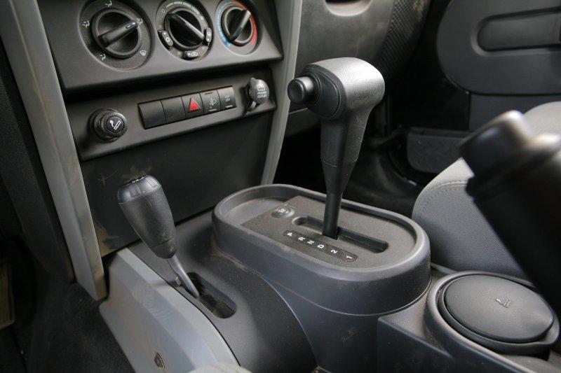 Как по посторонним звукам в машине определить поломку автомобиля