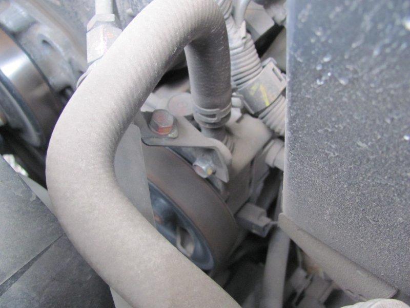 Как часто необходима замена приводного ремня гидроусилителя, генератора, помпы и кондиционера? Виды приводных ремней: гладкий клиновый и поликлиновый.