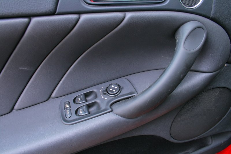 Які елементи автомобіля видають його великий пробіг?