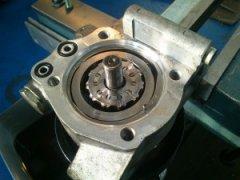 Как самостоятельно отремонтировать гидроусилитель руля (ГУР)