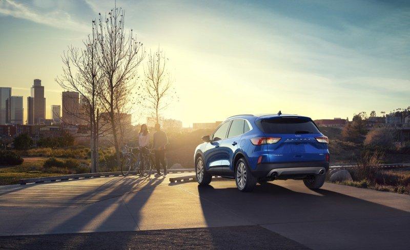 Новый компактный кроссовер Ford Escape четвертого поколения