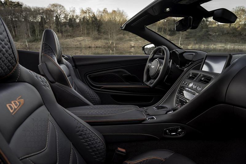 Aston Martin DBS Superleggera Volante в версии 2020 года