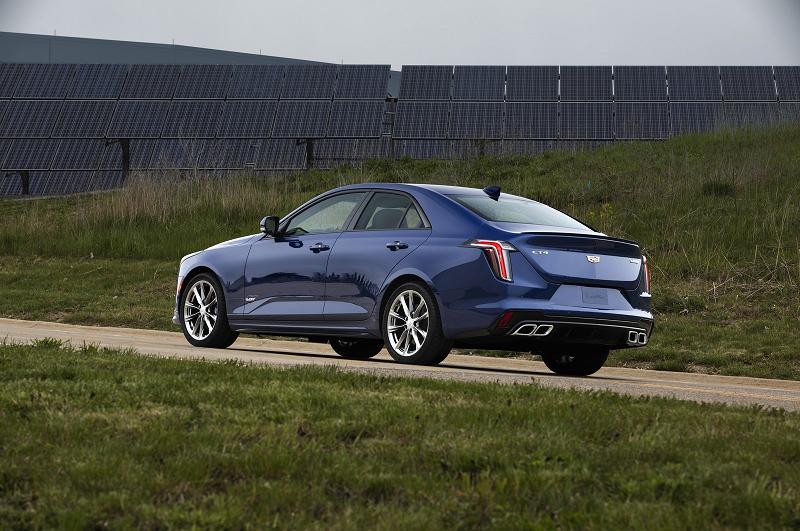 Cadillac CT4-V в версии 2020 года