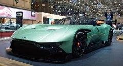 Новая модель Aston Martin Vulcan имеет под капотом 800 л. с.