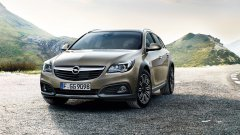 Универсал с повышенной проходимостью Opel Astra Country Tourer