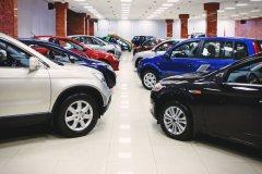 Половина новых автомобилей в России реализуется в кредит
