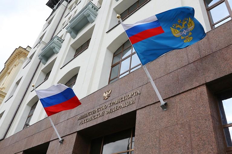 http://cartechnic.ru/img/news/1/2174/v_mintranse_hotjat_zamenit_transportnyj_nalog_ekosborom1.jpg
