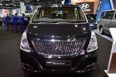 В Южной Корее начались продажи микроавтобуса Hyundai Grand Starex